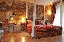 Nászutas lakosztály – Udvarház la romantique szint