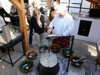 Grilludvar leves tálalás a bográcshelyen