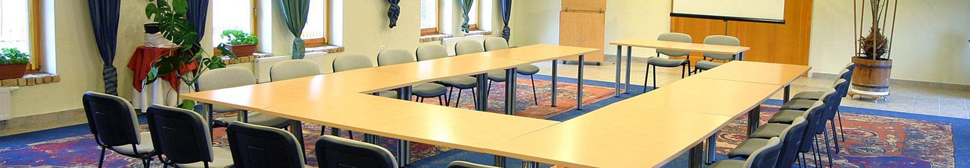 Konferenciahelyszín 10-500 főig 4 konferenciahelyszínnel és különleges csapatépítő játékokkal